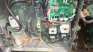 冷凍機電気